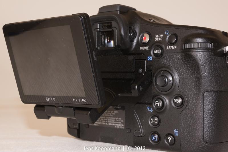 Das Klappdisplay der Sony A77