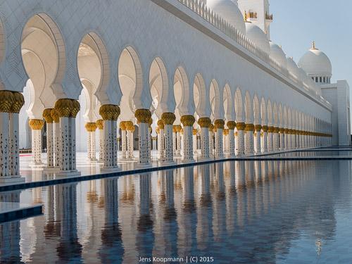 Abu-Dhabi-1140927