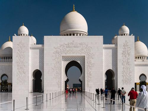 Abu-Dhabi-1140991