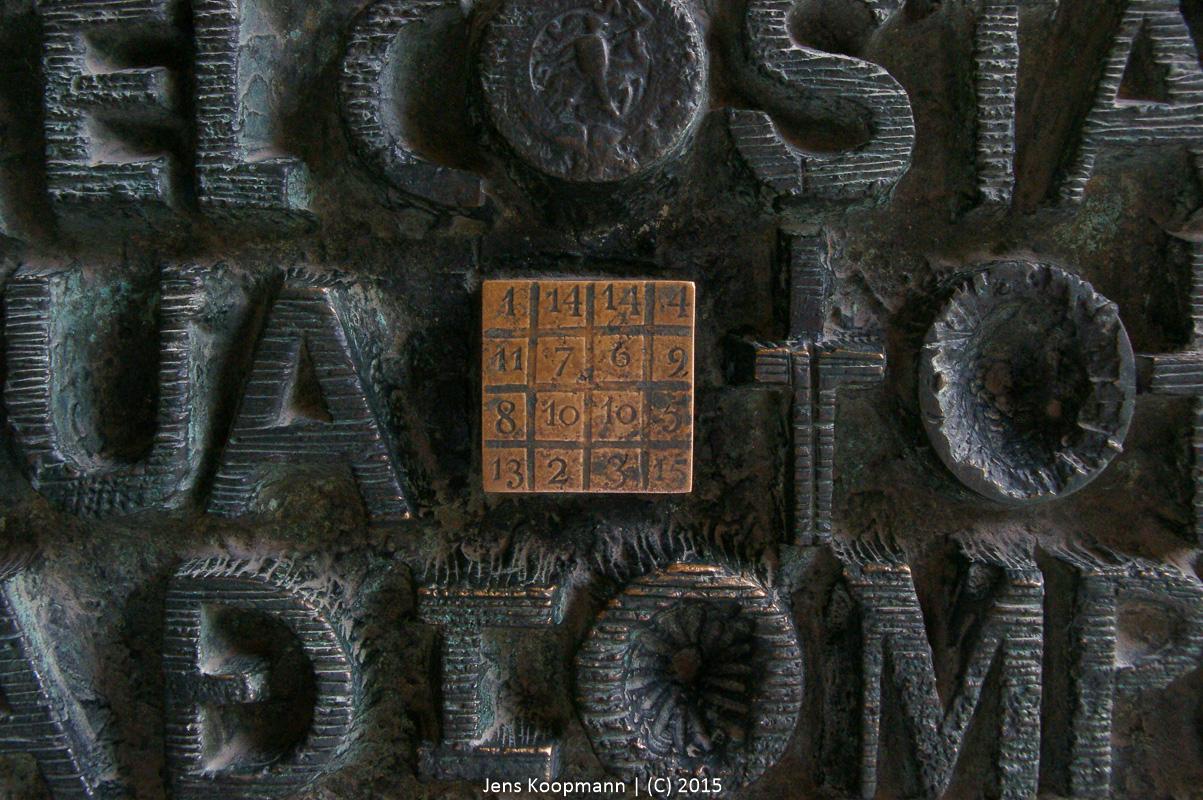 33 – der geheime Code der Sagrada Familia | Stichwörter: 33, Barcelona, Gaudi, Magisches Quadrat, Sagrada Familia | Kategorien: Architektur, Kreatives, Portfolio, Sonstige