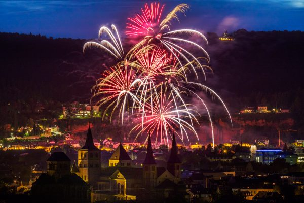 Feuerwerk an der Mosel - vom Petrisberg in Trier aus fotografiert