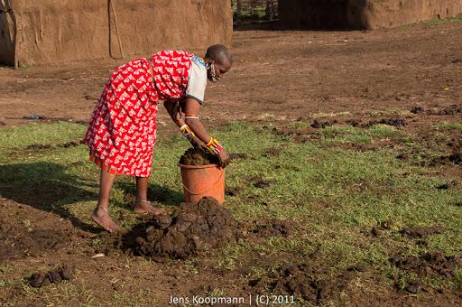 reisebericht kenia 2011 teil 12 bei den masai zu besuch safari in der masai mara. Black Bedroom Furniture Sets. Home Design Ideas
